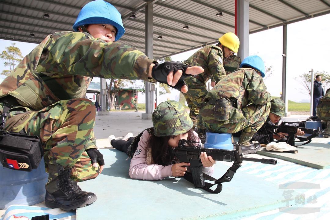 寒戰營體驗軍事  扎根全民國防