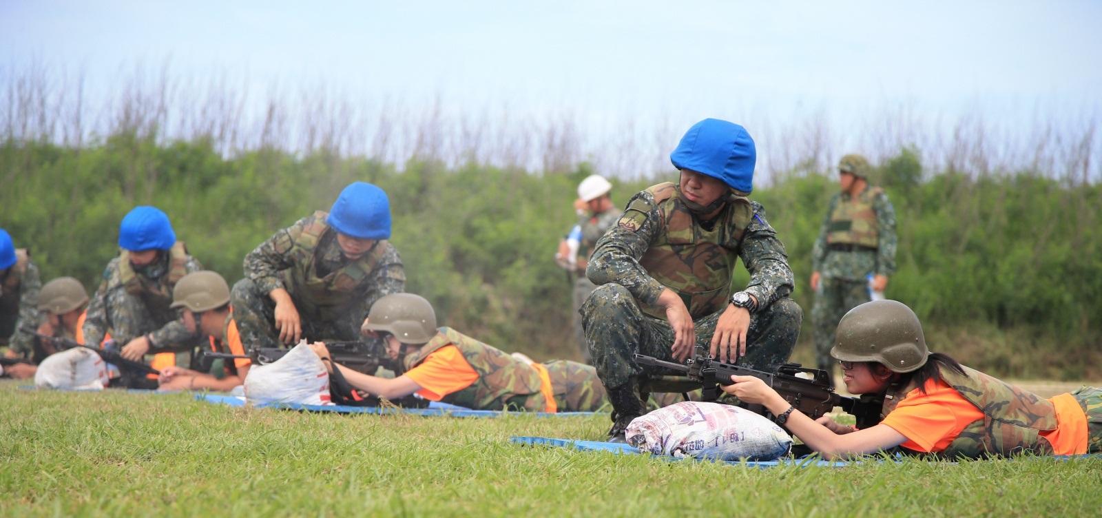 澎湖暑期戰鬥營實彈射擊