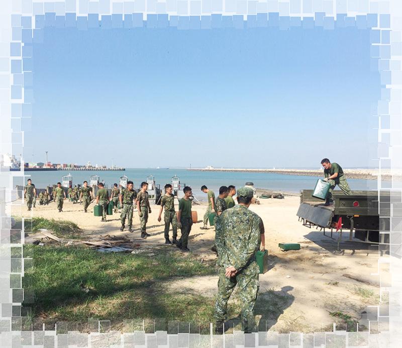 圖:陸軍與海軍官兵合作無間,圓滿完成每次外島物資運補任務。