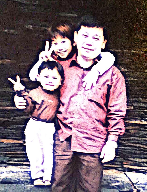 幼時印象中的父親,彷彿是座高山,總能成為我和姊姊的依靠。
