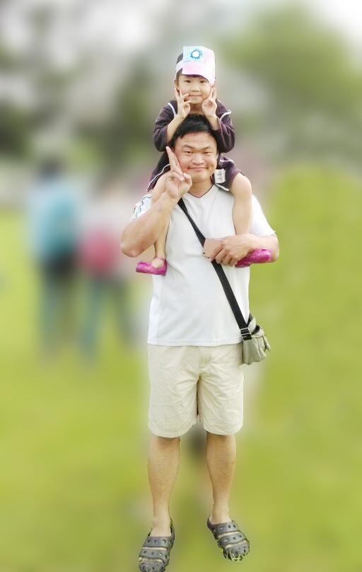 圖:王駿傑的父親是他心中的驕傲,同樣地,他也是女兒心目中的英雄。