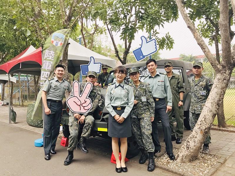 「陸軍第四地區支援指揮部臺南乙型聯合保修廠」就像個大家庭,雖然工作繁雜,但大家一條心,面對多項挑戰,總能團結一致、克服難關。