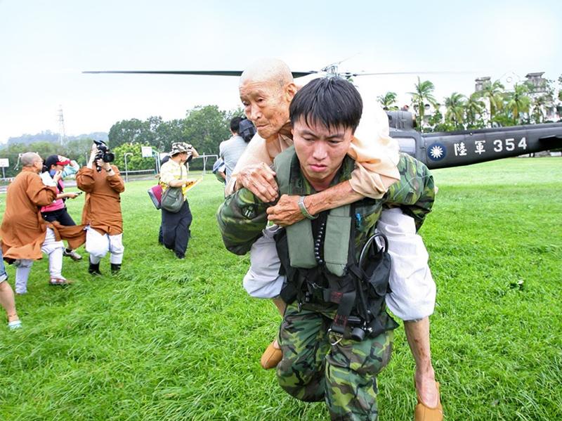 圖:UH-1H直升機歷經九二一大地震、八八風災,聞聲救苦的形象,已深植民心。